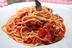 Špagete sa tunjevinom i paradajzom