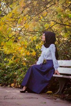 Hijab-fashion / tesettur-fashioned - All About Muslim Fashion, Hijab Fashion, Women's Fashion, Hijab Moda, Hashtag Hijab, Royal Blue Skirts, Hijab Collection, Modest Wear, Hijab Chic