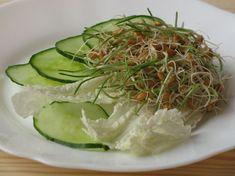 Csíráztatás otthon Cabbage, Vegetables, Food, Essen, Cabbages, Vegetable Recipes, Meals, Yemek, Brussels Sprouts