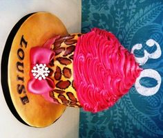is a giant cupcake with a handpainted leopard print base. Other animal . Ladybug Cupcakes, Snowman Cupcakes, Holiday Cupcakes, Cupcake In A Cup, Cupcake Cakes, Cup Cakes, Rose Cupcake, Cupcake Ideas, Leopard Print Cupcakes