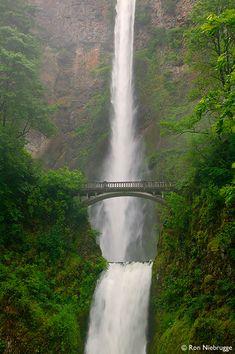 The Multnomah Falls, Columbia River Gorge National Scenic Area, Oregon