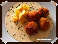 Albóndigas de arroz y carne en salsa de queso (receta de aprovechamiento)