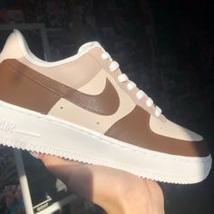 Brown Nike Shoes, Cute Nike Shoes, Nike Air Shoes, Brown Sneakers, Nike Brown, Brown Trainers, Brown Shoe, Air Force One Shoes, Brown Air Force Ones
