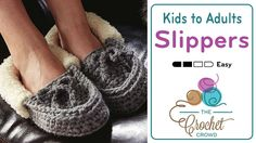 Crochet Family Moccasins + TutorialCrochet Moccasins Introducing the Crochet Family Moccasins pattern. This pattern focuses on 5 sizes of Moccasins Crochet Crowd, Crochet Baby, Free Crochet, Knit Crochet, Crochet Shoes, Crochet Slippers, Crochet Sandals, Crochet Patterns For Beginners, Crochet Tutorials