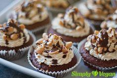 Schoko-Erdnuss-Cupcakes | vegane Rezepte in Kuchen & Backwaren