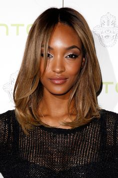 19 Hottest Dark Brown Hair Colors to Inspire You in 2019 - Style My Hairs Golden Brown Hair Color, Honey Brown Hair, Red Brown Hair, Brown Hair Colors, Green Hair, Trending Hairstyles, Cool Hairstyles, Winter Hairstyles, Natural Hair Styles