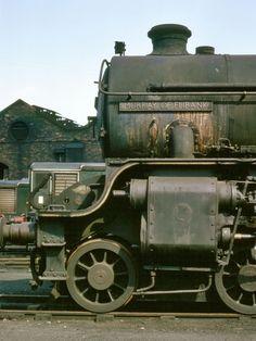 Class 61245 'Murray of Elibank' by Bill Wright Diesel Locomotive, Steam Locomotive, Train Info, Old Steam Train, Steam Railway, Train Art, British Rail, Old Trains, Train Engines