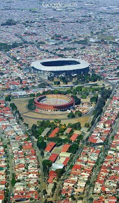 #Guadalajara, #Jalisco, #México. El monumental estadio Jalisco y la plaza de toros Nuevo Progreso, por muchos años templos del fútbol y de los toros. miguel hernandez The monumental Jalisco stadium and the bullring Nuevo Progreso, for many years football temples and bulls. Tour By Mexico - Google+