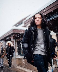 hey-ramos:  anthony_ramos_nyc: I'm dreaming of a White…(Sundance)?#sundance2016 #Dontmissthatshuttlebus#WhiteGirlMovie