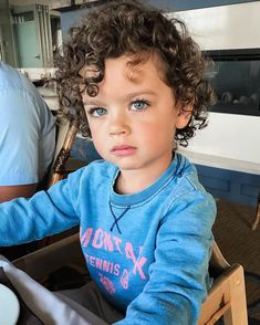 Kids Discover Because smiling for photos isnt cool. Cute Little Baby, Baby Kind, Little Babies, Baby Love, Cute Mixed Babies, Cute Babies, Mixed Baby Boy, Cute Baby Pictures, Baby Photos