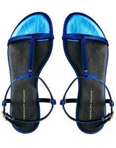 Imagen 3 de Sandalias planas con tira en forma de T en azul Match de KG by Kurt Geiger