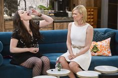 2 BROKE GIRLS Season 5 Episode 16 Photos And the Pity Party Bus