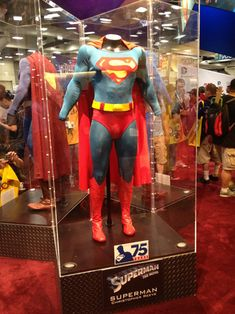 george reeves superman costume | ll say it. Dammit, Zack Snyder -- the iconic outfit WORKS.