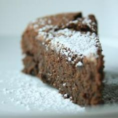 gluten free chocolate cake made with chick peas!