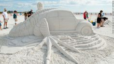 ❤ =^..^= ❤ Events at Siesta Key Beach include amateur competitions for kids and parents as well as head-to-head speed-carving events.