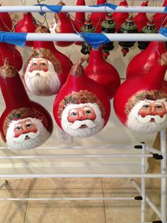 Gourd Crafts, Christmas Projects, Fun Crafts, Christmas Crafts, Christmas Decorations, Lightbulb Ornaments, Painted Ornaments, Christmas Snowman, Christmas Bulbs