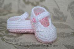 Crochet Baby Booties Pretty & Plain little Mary Jane - FREE crochet pattern.....