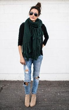 Ily Couture Hunter Green Long Tassel Scarf - Nicole Style World Green Outfits For Women, Trendy Outfits, Ily Couture, Winter Trends, Western Outfits, My Style, Trendy Style, Clothes For Women, Hunter Green