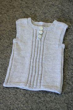 Ravelry: kirstisi's Lun guttevest Knitting For Kids, Knitting Yarn, Baby Knitting, Crochet Baby, Knit Crochet, Ravelry, Baby Vest, Knit Vest, Baby Sweaters