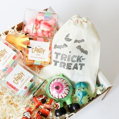 Halloween 🎃 is a little different in 2020 but it's definitely not cancelled. Ship one of our Halloween Treat boxes to someone who loves Halloween this year. You pick and choose all the items that go into the box! Halloween This Year, Halloween Season, Holidays Halloween, Halloween Treat Boxes, Halloween Treats, Halloween Chocolate, Sweet Box, Halloween Fashion, Finger Puppets