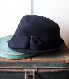 Vintage Felt Hat   Fashionable   Hat Fuzzy Felt d4f32efe98c0