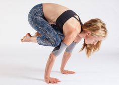 GurooActive.com - Grippy yoga arm band that turn up your practice and make it more comfortable.