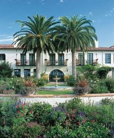We've invited luxury beachfront property Four Seasons Resort The Biltmore in Santa Barbara, California, to guest-pin with us from September Spanish House, Spanish Colonial, Spanish Revival, Spanish Style, Spanish Backyard, Biltmore Santa Barbara, Mexican Hacienda, Mediterranean Style, Mediterranean Architecture
