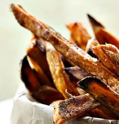 This tutorial walks you through how to make perfect, Guaranteed Crispy BAKED sweet potato fries every time. Homemade fries for the win! Real Food Recipes, Cooking Recipes, Yummy Food, Paleo Food, Whole30 Recipes, Clean Recipes, Potato Dishes, Food Dishes, Side Dishes