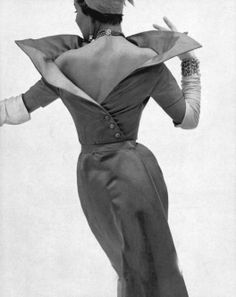 Jacques Fath was considered one of the most important influences in post-war Parisian couture. Vintage Fashion 1950s, Vintage Couture, Mode Vintage, Retro Fashion, Womens Fashion, Club Fashion, Fifties Fashion, Jacques Fath, Vintage Dresses
