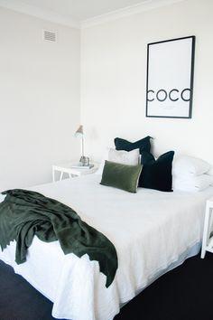 Interior Styling, Interior Design, Minimal Home, White Home Decor, Coastal Homes, Beautiful Homes, Minimalism, House Design, Bed