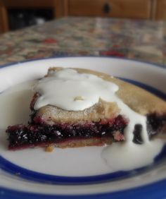 ~ cacen blât ~ Welsh recipe for black currant plate cake ~ serve with thick cream or custard ~