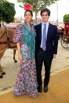 Glamorous Sofía Palazuelo of Spain, the future Duchess of Alba Spain Culture, Spain Fashion, Beautiful People, Beautiful Women, Queen Letizia, Bridesmaid Dresses, Wedding Dresses, Glamour, Street Style