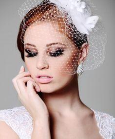 Saiba como sair do tradicional e Incluir em sua produção de Noiva, um Voilette, lindo, sofisticado e feminino.