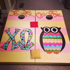 Chi Omega Corn Hole Boards... Gotta love those crafty xi zetas!!!