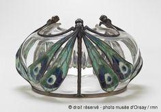 Eugène Feuillâtre (1870-1916). Drageoir. 1903. Argent fondu, forgé et ciselé, émail cloisonné à jour avec paillons, cristal soufflé. Musée d'Orsay - Paris - France