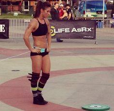 CrossFit makes you bulky....not.  CrossFit for bad-ass chicks!  http://factumutah.com/crossfit