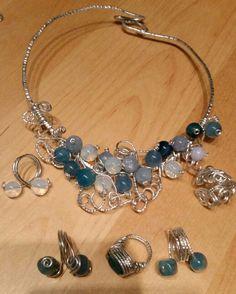 Collier wire alluminio agata blu,  azzurra,  angelite,  opale + anelli coordinati