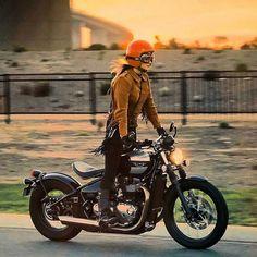 Bobber Inspiration ( Every one can drive Triumph Bonneville, Triumph Motorcycles, Triumph Scrambler, Bobber Style, Motorcycle Style, Motorcycle Gear, British Motorcycles, Vintage Motorcycles, Lady Biker