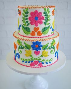 Modern Wedding Cakes 17 Modern Wedding Cake Designs That Will Make Your Guests' Jaws Drop - For those who want to break tradition. Mexican Birthday Parties, Mexican Party, Mexican Fiesta Cake, Mexican Cakes, Gorgeous Cakes, Amazing Cakes, Wedding Cake Designs, Wedding Cakes, Patterned Cake