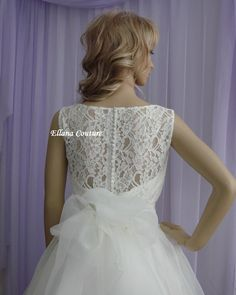 ~~ Ellana Couture Original Design ~~    Holly is an elegant vintage inspired tea length wedding dress that combines beautiful and delicate lace