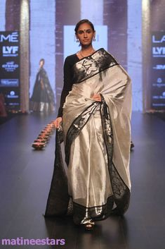 Models Walks For Santosh Parekh At Lakme Fashion Week Winter Festive 2016 - Hot Models Photo Gallery - High Resolution Pictures 31