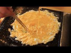 Korean Street Food - No Bread Burger, Omelet Cheese Burger South Korean Food, Korean Street Food, Kimchi Recipe, Korean Dessert, Good Food, Yummy Food, Food Photography Tips, Omelet, Dessert Recipes