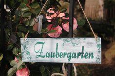 Hübsches Vintage-Holzschild für Deinen Zaubergarten, Garten Deko / white vintage sign made of wood, magical garden decoration made by Inas Nordlichter via DaWanda.com