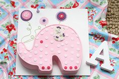 Elephant Cake - picture only - like the part on the board, maybe cupcakes? Elephant Birthday Cakes, Elephant Cakes, Elephant Party, Elephant Theme, Animal Birthday, Birthday Cupcakes, Birthday Fun, Birthday Ideas, Baby Shower Cakes