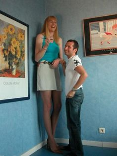 27 Tall People In The World (Photo Gallery) Giant People, Tall People, Big People, Giant Skeleton, Human Oddities, Long Tall Sally, Perfect Couple, Tall Guys, Tall Women