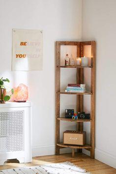 Stylish Storage Solutions for Small Spaces Stylish Storage Solutions for Small Spaces - Wit & Delight Leaning Bookshelf, Corner Bookshelves, Bookshelf Ideas, Corner Shelves Living Room, Diy Bookshelf Wall, Corner Shelving, Diy Shelving, Wall Shelves, Diy Bookshelf Design