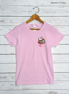 KAWAII EYEBALL CUPCAKE  pink pastel goth pocket t-shirt