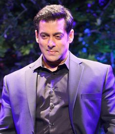 Salman Khan records statement for Hit-and-Run case Bollywood Photos, Bollywood Gossip, Bollywood Actors, Bollywood News, Bollywood Celebrities, Salman Khan Photo, Shahrukh Khan, Salman Katrina, Salman Khan Wallpapers