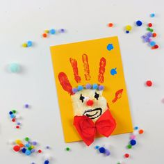 diy birthday cards for grandma Clown Crafts, Carnival Crafts, Crafts To Sell, Diy And Crafts, Arts And Crafts, Paper Crafts, Stick Crafts, Resin Crafts, Wood Crafts