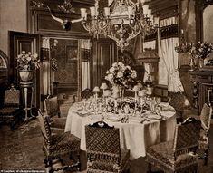 Inside New York's Original Waldorf-Astoria Hotel in 1903 ~ vintage everyday Astoria New York, Astoria Hotel, Greek Bedroom, Hotel Menu, Colonial Bedroom, Holiday Hotel, Most Luxurious Hotels, New York Hotels, Fine Hotels